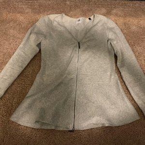 Gorgeous Spring Vneck Sweater! Cabi XS